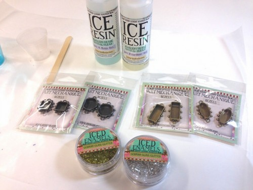 ICE-Resin-Glitter-Bracelet-components-500x375